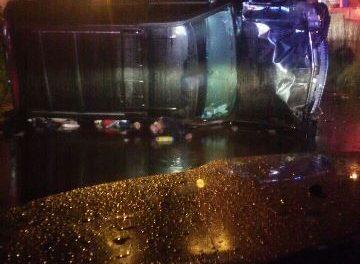 ¡Hombre se mató tras la volcadura de su camioneta en Aguascalientes!