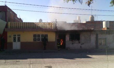 ¡Piromaníaco le prendió fuego a la casa de su madre en Aguascalientes y fue detenido!