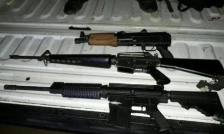 ¡Policías estatales aseguran en Cuauhtémoc armas de fuego largas, granadas, cartuchos y camionetas!
