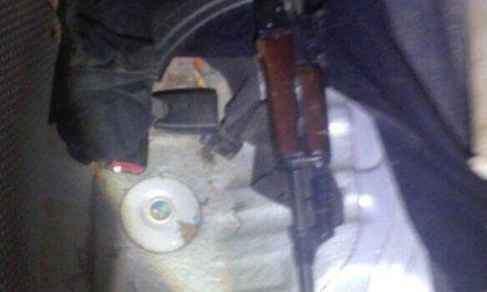 ¡Elementos de la PEP detuvieron a 3 sujetos y 1 mujer con un arsenal en Zacatecas!