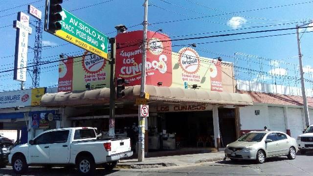 ¡2 pistoleros asaltaron una taquería en Aguascalientes!