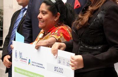 ¡Entrega Tere Jiménez cerca de 300 microcréditos para emprendedores en la capital en una segunda etapa!