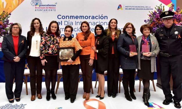 ¡Reconoce Tere Jiménez a defensoras de los derechos de la mujer en Aguascalientes!