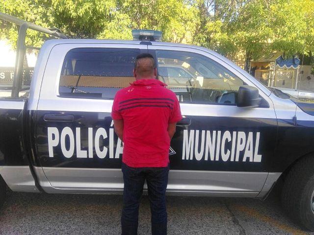 ¡Policías municipales frustraron asalto en una gasera y detuvieron a queretano que iba a robar $2 millones!