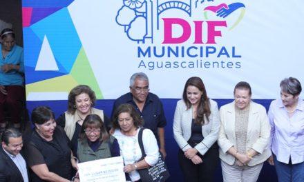 ¡Abuelitos participan en concurso de altar de muertos organizado por el DIF Municipal!