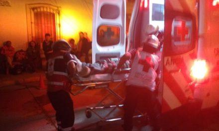 ¡Grave joven lesionado en Lagos de Moreno; se investiga si fue agredido o atropellado!
