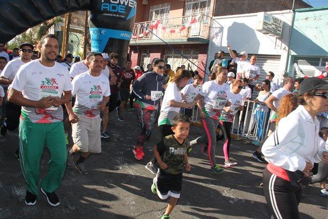 ¡Se llevó a cabo la Tercera Carrera Atlética Moviendo a México por tu Salud!