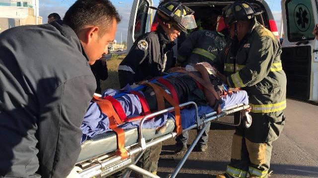 ¡Grave alcoholizado chofer de Uber que se estrelló contra un árbol en Aguascalientes!