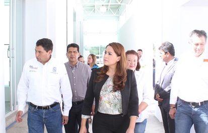 ¡Tere Jiménez supervisa avance de obras que beneficiarán a nuestro municipio!