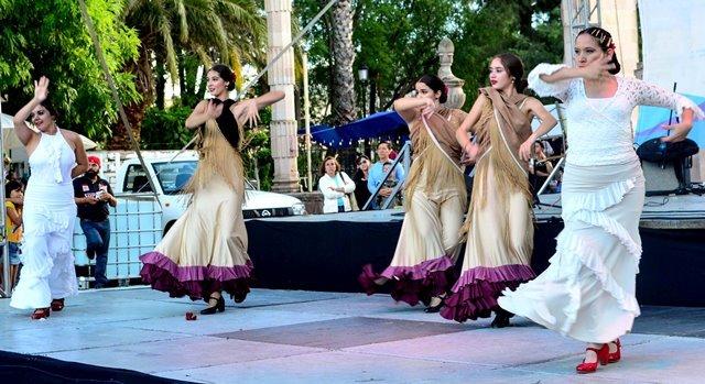 ¡Municipio fortalece tradicionales festejos del Barrio de Triana!