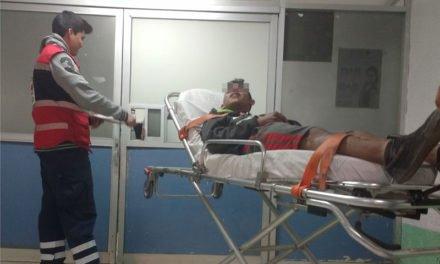 ¡Menor lesionado tras caer de una motocicleta en Lagos de Moreno!