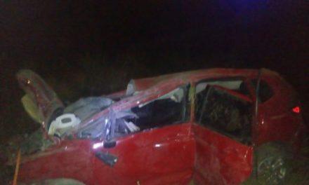 ¡Joven resultó lesionada tras la volcadura de su automóvil en Aguascalientes!