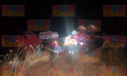 ¡Chofer de tráiler murió tras una volcadura en Sombrerete, Zacatecas!