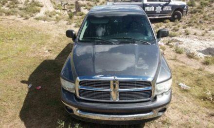 ¡Policías estatales recuperaron en Villa García, Zacatecas, camioneta que fue robada en Guanajuato!
