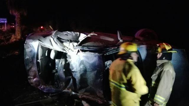 ¡1 muerta y 4 lesionados tras volcadura de automóvil en Aguascalientes!