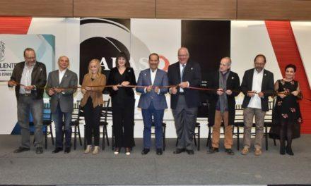 ¡Inaugura el gobernador la exposición de arte mexicano Akaso!