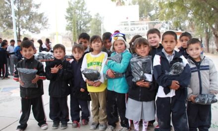 ¡IEA favorece a población vulnerable con entrega de 10 mil uniformes deportivos!