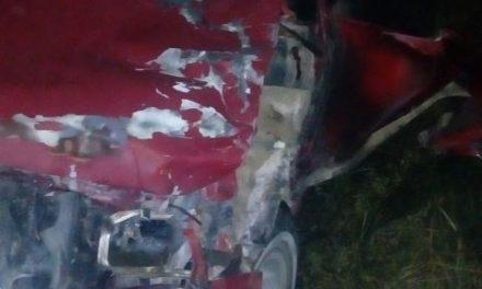 ¡Choque entre camioneta y motocicleta dejó 1 muerto y 1 lesionado en Lagos de Moreno!