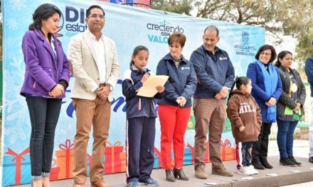 ¡El gobernador y la señora Yolanda Ramírez de Orozco clausuraron la gira navideña del DIF Estatal!