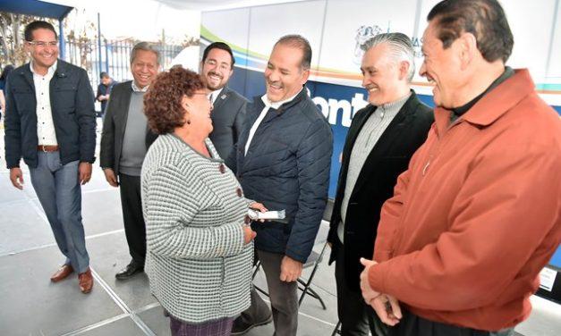 ¡Entrega el gobernador apoyos del Programa Contigo al 100 en colonias del sur de la ciudad!