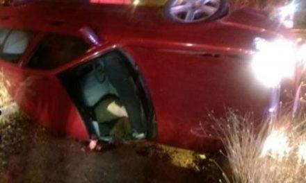 ¡1 muerta y 1 lesionado dejó volcadura de un automóvil en Aguascalientes!