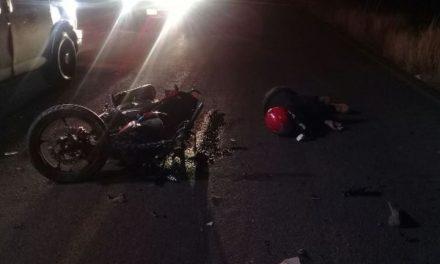 ¡Motociclista murió tras estrepitosa caída en una carretera en Aguascalientes!