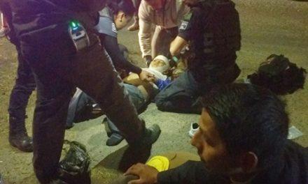 ¡Madre e hijo lesionados tras ser atropellados por un motociclista en Lagos de Moreno!