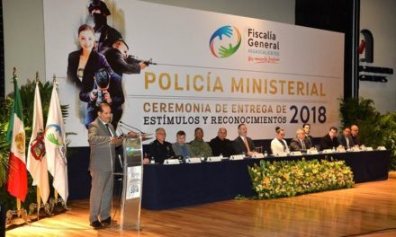 ¡Entrega gobernador estímulos y reconocimientos a policías ministeriales!