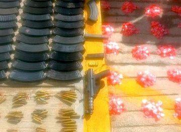 ¡Policías estatales aseguraron armas de fuego, cargadores, cartuchos y drogas en Loreto!