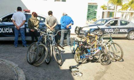 """¡Detuvieron a 3 sujetos y 1 mujer en un """"picadero"""" y con objetos robados en Aguascalientes!"""