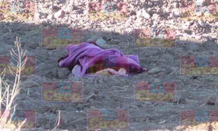 ¡5 muertos y 4 lesionados tras volcadura de una camioneta en Saín Alto, Zacatecas!