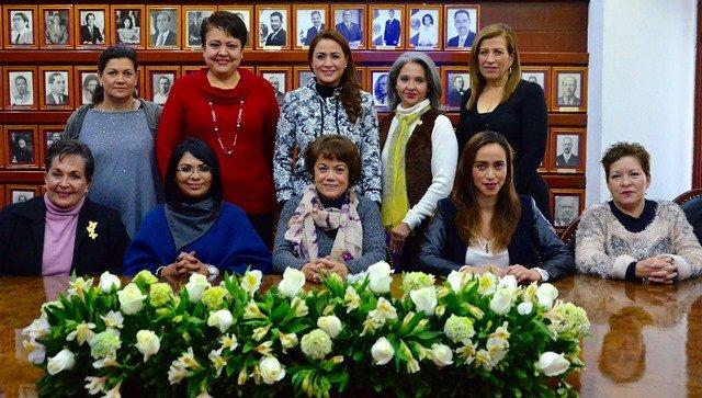 ¡Trabaja Tere Jiménez para combatir la violencia a mujeres y empoderar el sector!