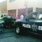 """¡Patrulla de la Policía Estatal chocó a un """"vochito"""" en Aguascalientes: 3 lesionados!"""