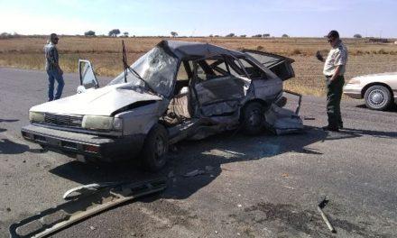 ¡Grave automovilista que fue embestido por una camioneta en Encarnación de Díaz!
