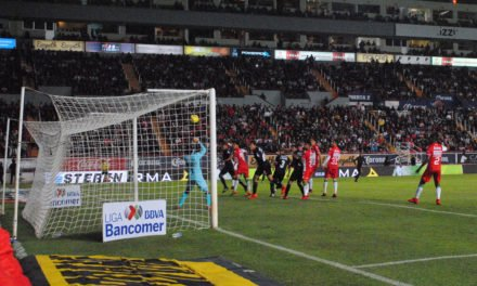 ¡Chivas le metió tres al Necaxa en Aguascalientes!