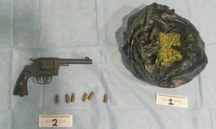 ¡Detuvieron a una mujer traficante de drogas tras un cateo domiciliario en Aguascalientes!