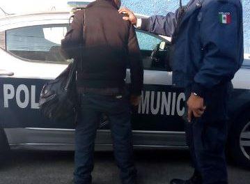 ¡Detuvieron a adulto mayor que entró a un banco en Aguascalientes con un arma de plástico!