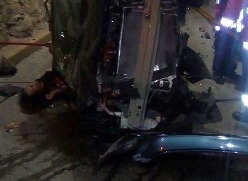 ¡Mueren dos personas y otra está grave en choque en el paso a desnivel de López Mateos en Aguascalientes!