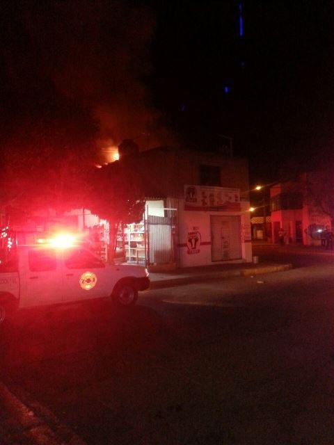 ¡Grave hombre tras incendiarse su casa en Aguascalientes!