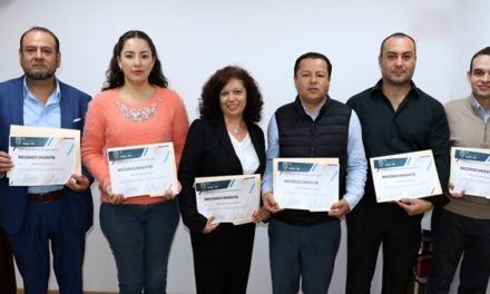 ¡IEA sienta bases de bilingüismo en nivel bachillerato con capacitación a docentes en el extranjero!