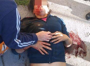 ¡Grave mujer que intentó suicidarse y se lanzó del tercer piso de un edificio en Aguascalientes!