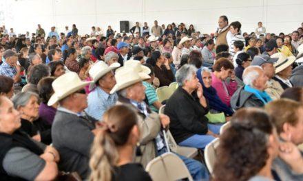 ¡El gobernador entrega en gira por municipios seis mil apoyos en beneficio de 15 mil personas!