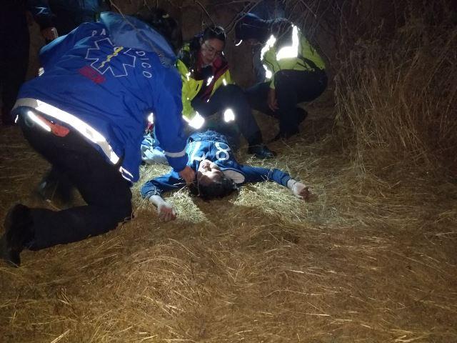 ¡Policías municipales de Aguascalientes le salvaron la vida a una menor al ser encontrada en el borde de un arroyo!