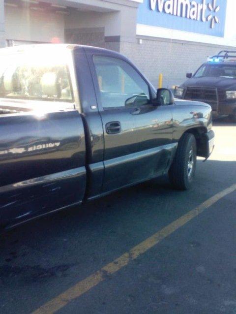 ¡Fuerzas policiales estatales recuperan dos vehículos robados y detienen a cuatro personas!