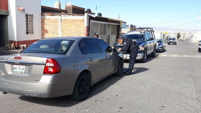 ¡Policías municipales detuvieron a 2 sujetos que cometieron 6 asaltos en 72 horas en Aguascalientes!