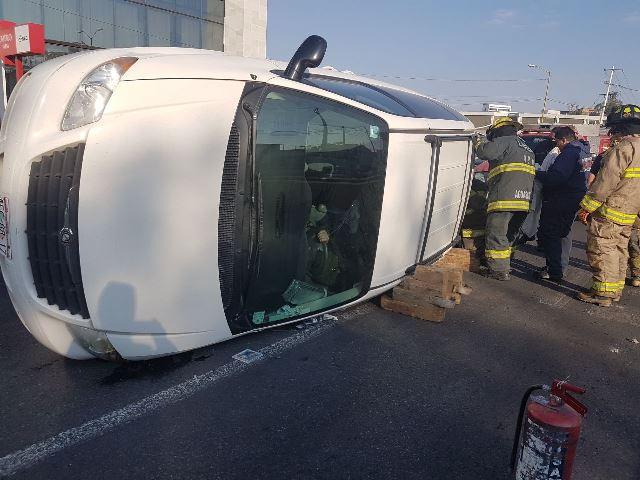 ¡Ebrio resultó lesionado tras la volcadura de su camioneta en Aguascalientes!