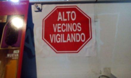 ¡Alerta la SSPM sobre 2 falsos policías que venden calcomanías apócrifas en negocios de Aguascalientes!