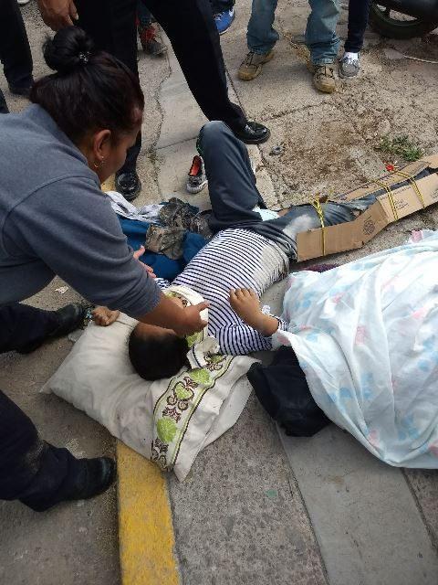 ¡Camioneta embistió una motocicleta en Aguascalientes: 1 muerta y 1 lesionada!