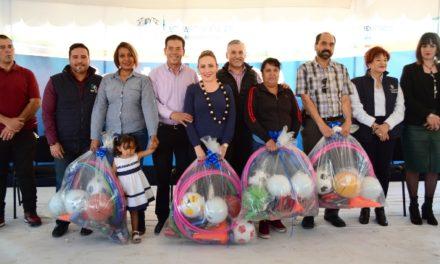 ¡Premian a los ganadores del cuadrangular de fútbol y tochito bandera de Contigo al 100!