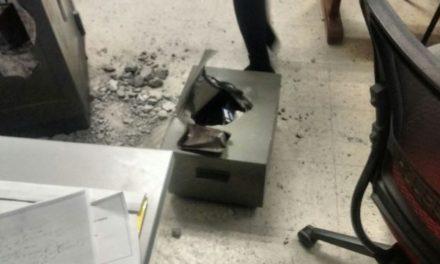 ¡Detuvieron a 2 guardias de seguridad que robaron $100 mil de una empresa en Aguascalientes!